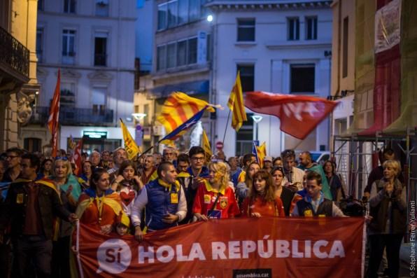 Rassemblement au consulat d'Espagne de Perpignan - Référendum Catalogne indépendance - Archives Crédit Stéphane Ferrer Yulianti