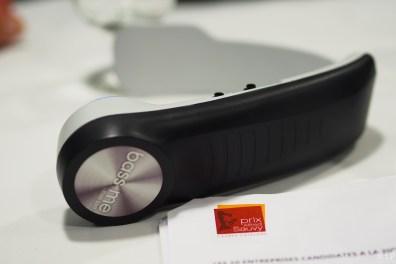 Bass me - casque tour de cou Bluetooth qui permet à l'utilisateur de ressentir une autre dimension sonore.