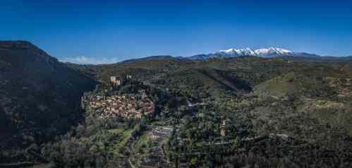 castelnou-et-le-canigou-drone-KikiMagTravel