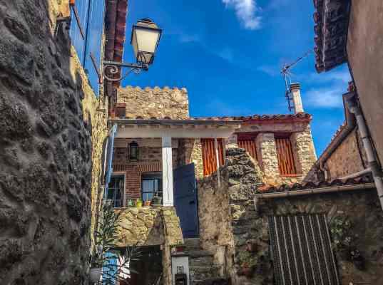 eus-maison-catalane-KikiMagTravel