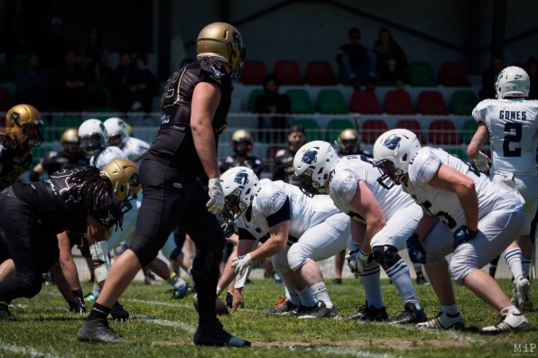 Grizzlys Catalans vs Gones Lyon PlayOffs Football américain Division Casque d'argent