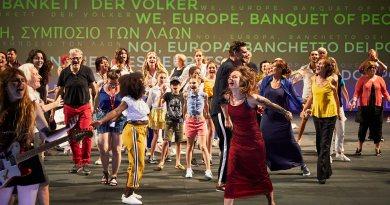 """Théâtre de l'Archipel – La création perpignanaise """"Nous l'Europe, banquet des peuples"""" encensée en Avignon"""
