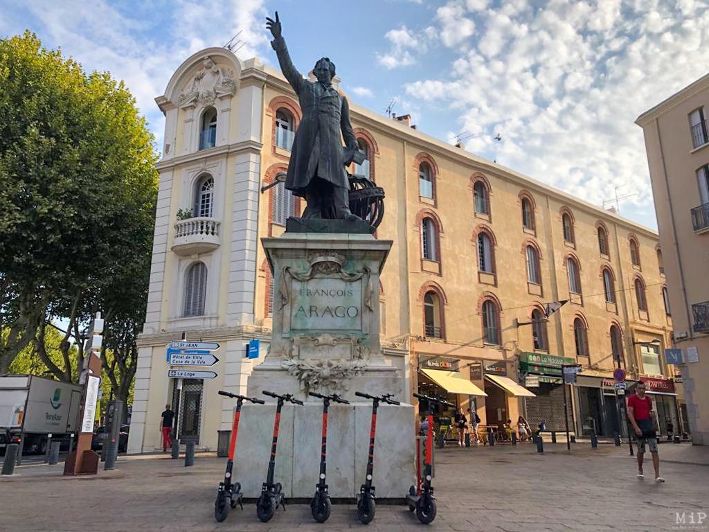 Images d'illustration - Trottinettes transports Perpignan Place Arago