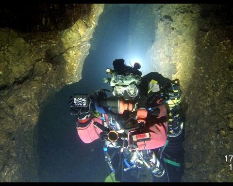 Record du monde de plongée souterraine - Crédit photo Xavier Méniscus