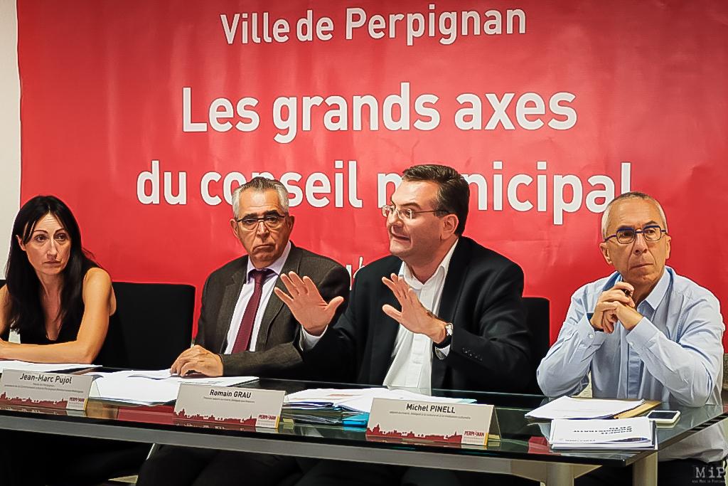 Conseil municipal mairie de Perpignan conférence de presse Pujol Grau Pinel Bruzi mi-mandat