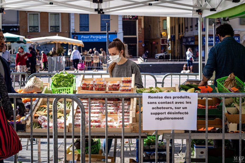 25/04/2020 Perpignan, France, ILLUSTRATION Marché de plein air déconfinement mesures barrières alimentation producteurs locaux circuit court © Arnaud Le Vu / MiP / APM