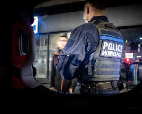 ILLUSTRATION Perpignan, France 04/04/2020 Police municipale couvre-feu attestation dérogatoire contrôle nuit ronde stupéfiants dealer © Arnaud Le Vu / MiP / APM