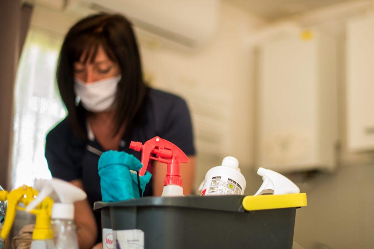 Magalie est agent d'entretien, quelques règles ont changé du à la crise sanitaire mais l'hygiène reste son coeur de métier.