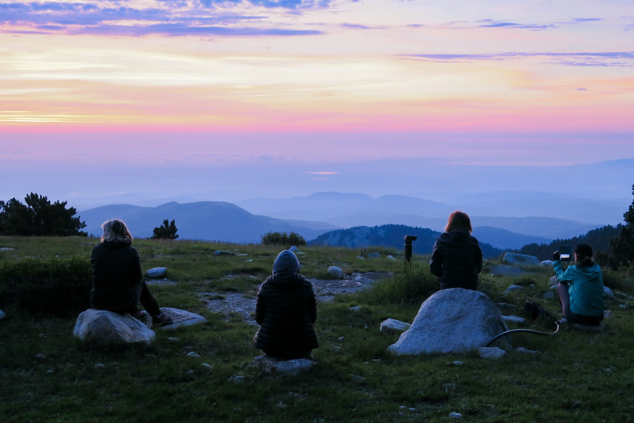 Massif du Canigó – Une nuit au Refuge des Cortalets - lever de soleil depuis les cortalets pyrenees orientales