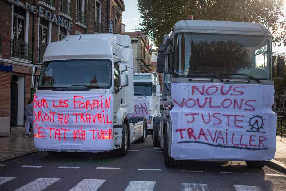 FRANCE - COVID19 - ECONOMY - DEMONSTRATION BY THE FAIRGROUNDS FOLLOWING THE CLOSURE OF THE FUNFAIRS