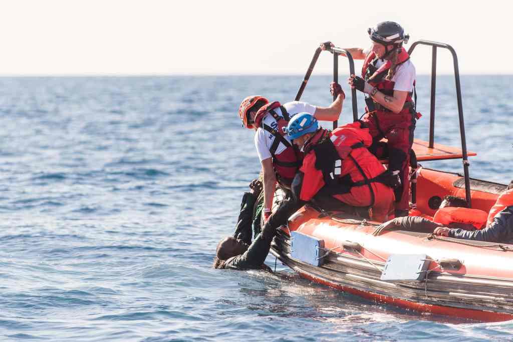 SOS Mediterranee / Medecins sans frontieres; Search and Rescue Operation mediterranean sea offshore the libyan coast. MV Aquarius - January 2018 © Laurin Schmid