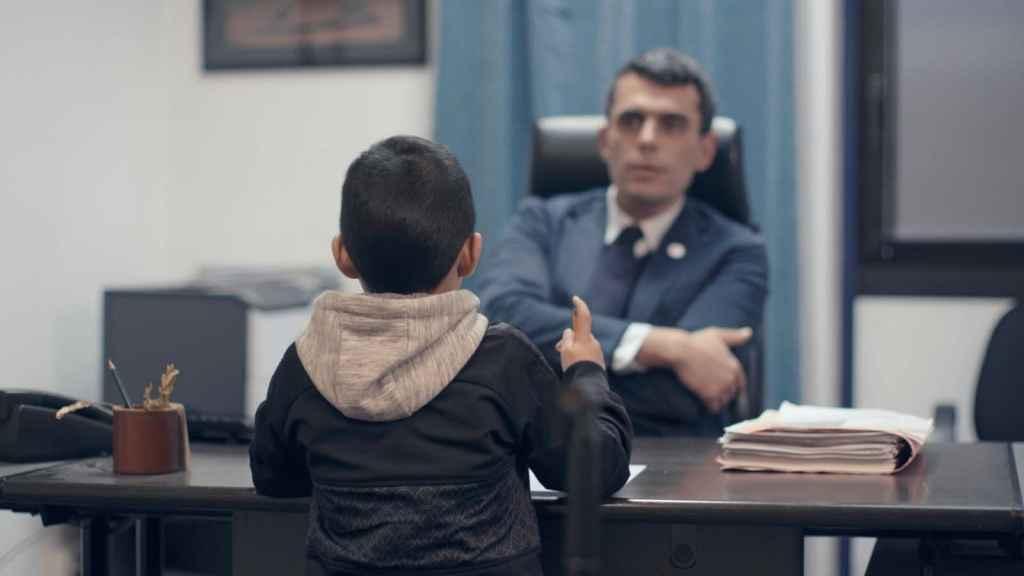 Le juge pour enfants Edouard Durand © 416 Prod