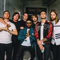 Maroon 5 is coming back to KeyBank Pavilion! So here's our Top 5 Memories That Will Make You Move Like Jagger!