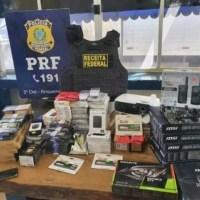 PRF apreende R$ 40 mil em eletrônicos escondidos em fardos de salgadinhos