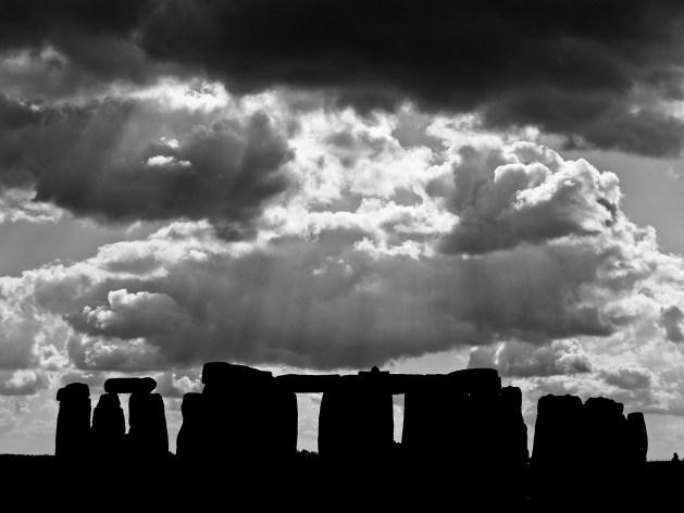 stonehenge-357229_1920