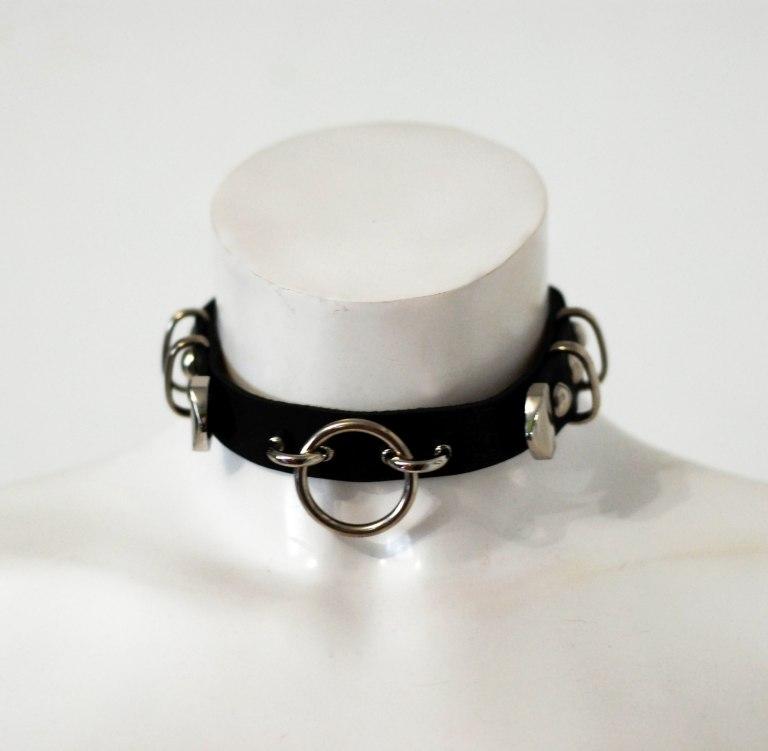 black leather circle choker