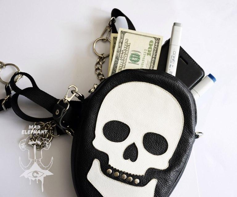 skull shoulder bag black