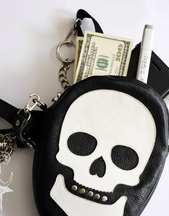 skull shoulder bag black