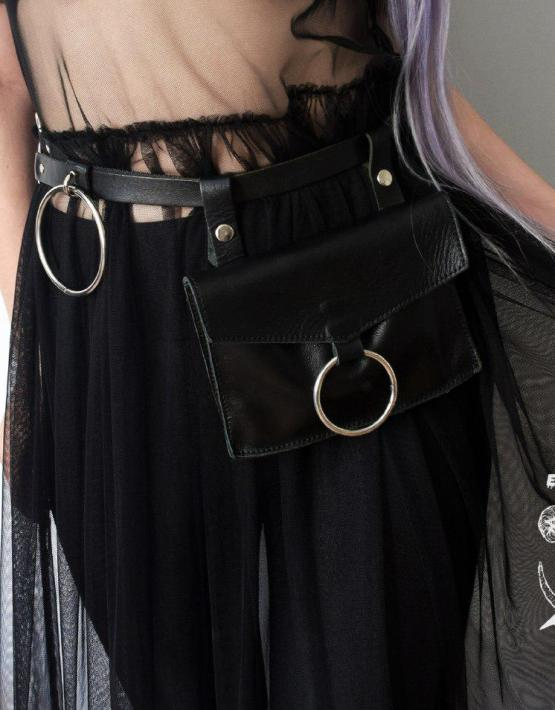 black leather o-ring belt