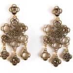 sparkle  Oscar de la Renta chandelier earrings