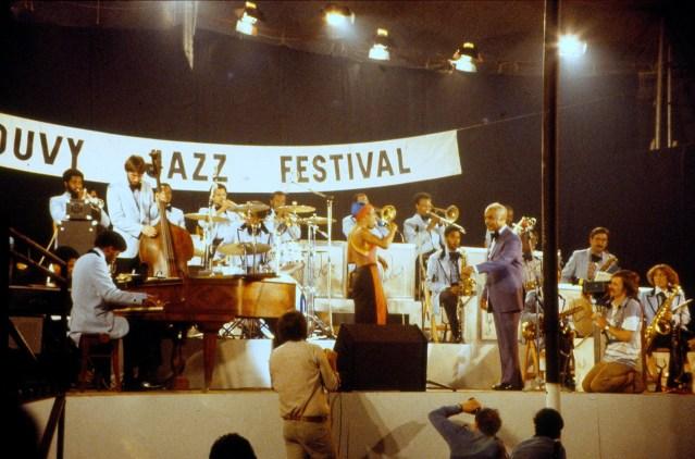 Photo de la scène du festival en 1979