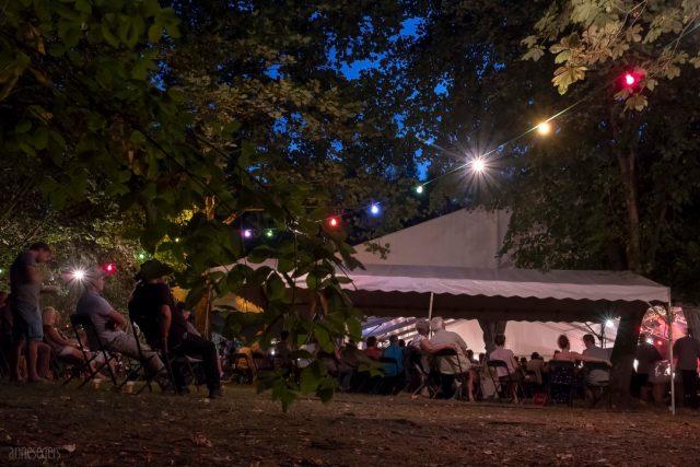 Vue de nuit sur le parc durant le festival