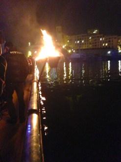 Entre flammes et flots 10