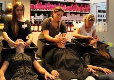 Massage du visage avec Weleda
