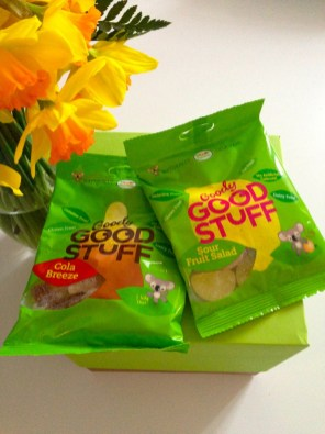 "Sachets de bonbons ""Salade de fruits"" et ""Coca"" - Goody Good Stuff Vegan Box Promo"