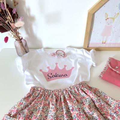 Mode enfants : Tenue anniversaire fillette, t-shirt personnalisé et jupe liberty