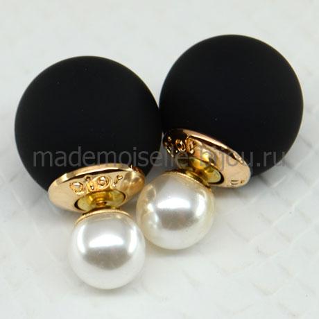 Серьги два шарика черный матовый и жемчужный Fashion Noir & La Perla Silk