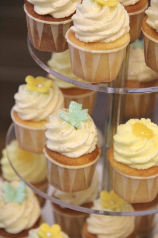 Cupcake Tower Hochzeit Schmetterlinge (Large)
