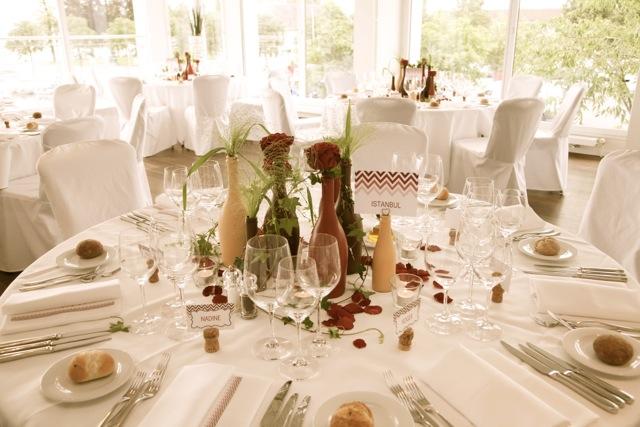 Hochzeit Zürichsee Schiff CM Weddings Tischdeko Vintage