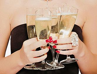 Vi insegno un paio di trucchi: come tenere il calice e come ordinare il vino