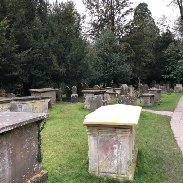 Castele Combe: cimitero