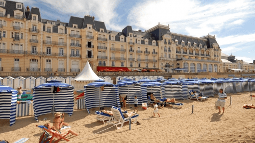 La spiaggia sulla Promenade