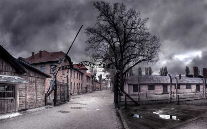 Visitare Auschwitz: un'esperienza potente, unica, sconvolgente