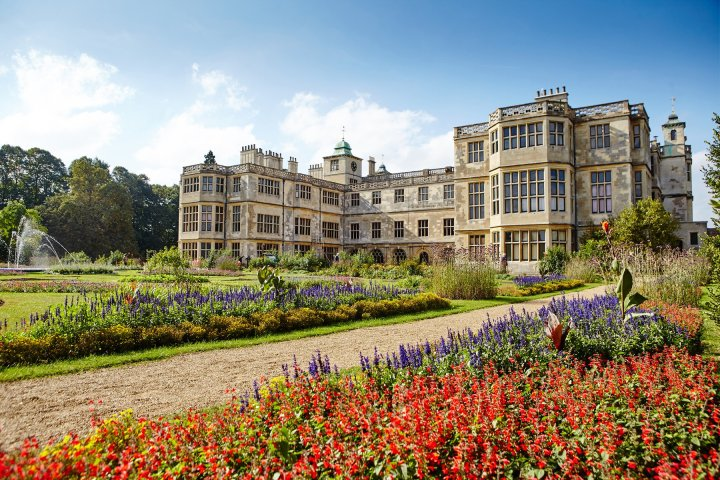 Location di The Crown: Audley End House