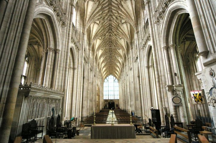 Location di The Crown: Winchester Cathedral