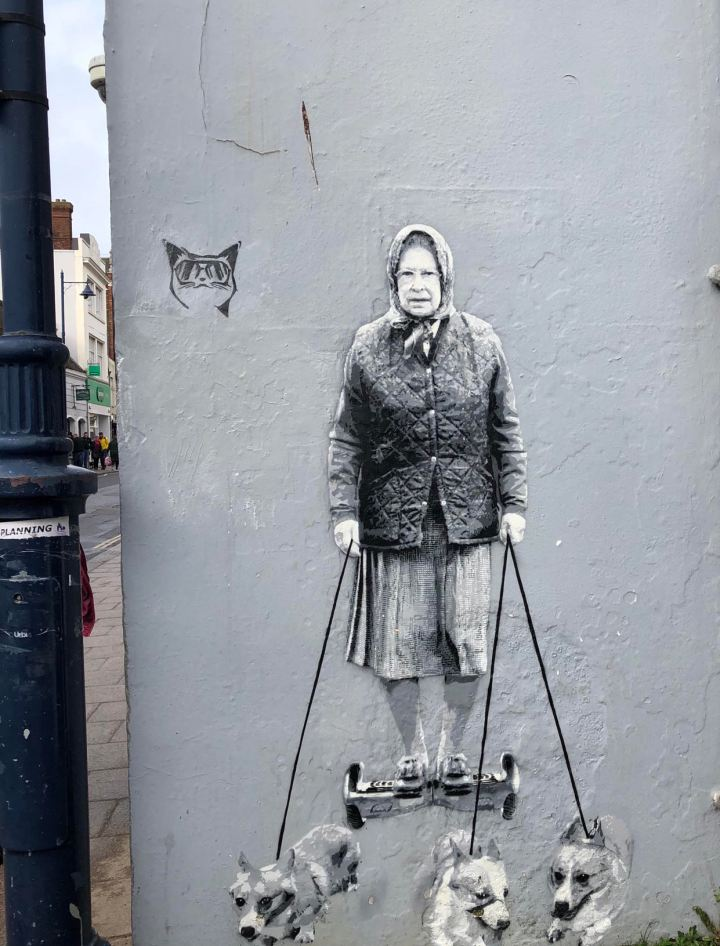 Opere di Banksy sui muri di Whistable