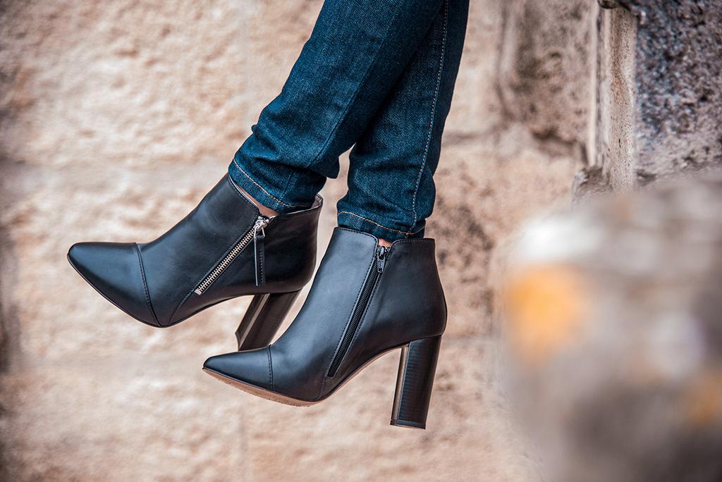 Chaussures vegan de la marque française de mode éthique GURU Montpellier, présentées par la blogueuse Mademoiselle Coccinelle.