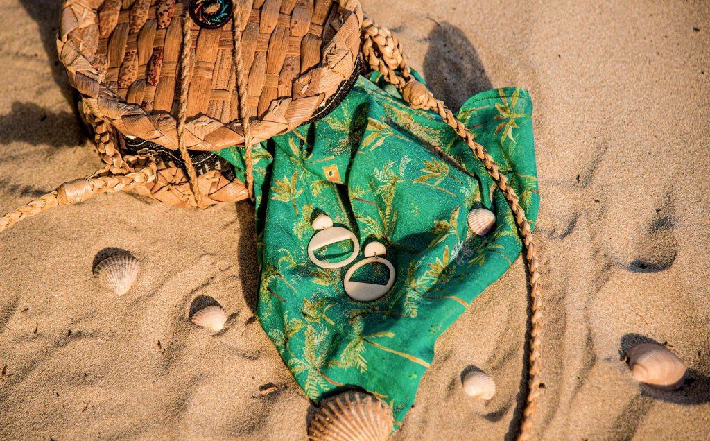 Boucles d'oreilles en ivoire végétal de la marque française de mode éthique Mazonia.