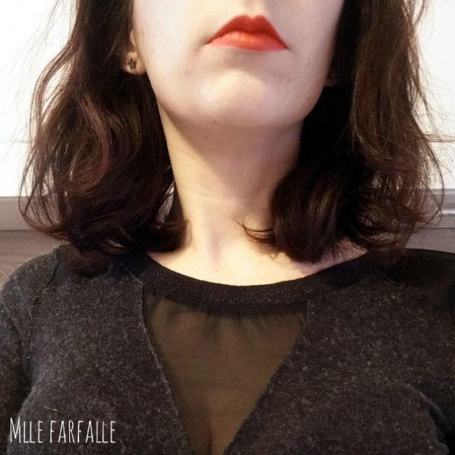 rouge à lèvres orangé