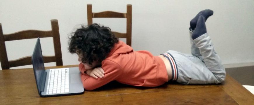 Raoul sur la table