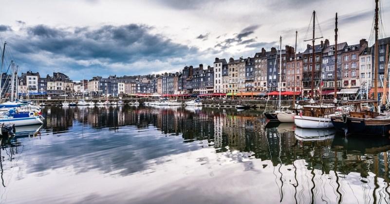 5 lieux à visiter absolument en Normandie Honfleur bassin