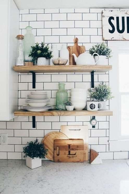 Cuisine blanche décoration étagères