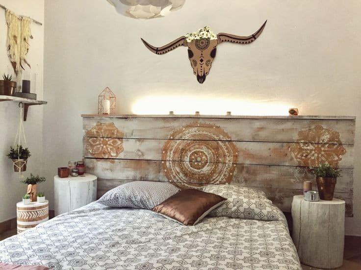 DIY tête de lit en palettes de bois