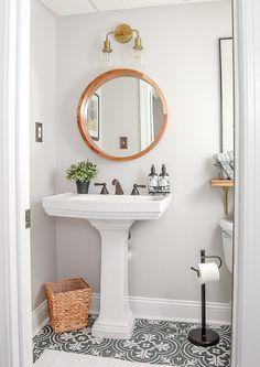 Petite salle de bain épurée