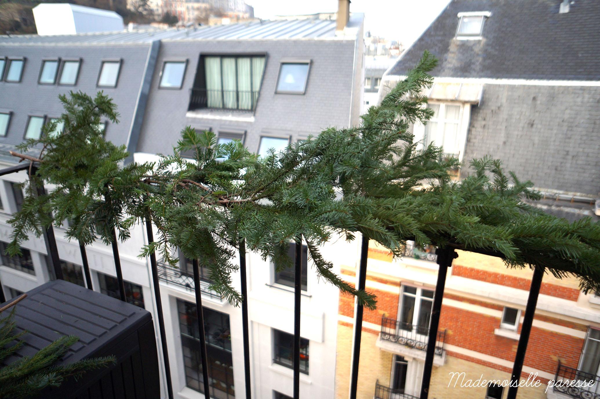 dcorer un balcon dedans decorer son balcon des ides pour le style de maison moderne with dco rcup balcon