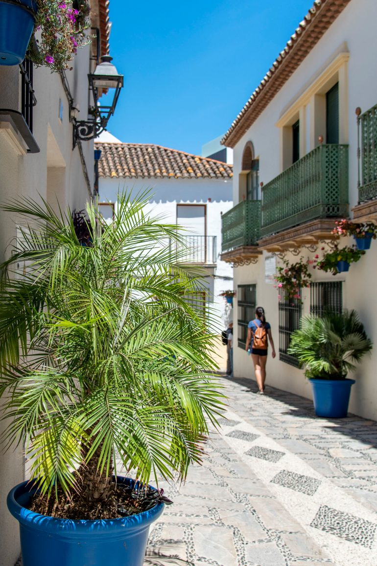 Walking along the streets of Estepona
